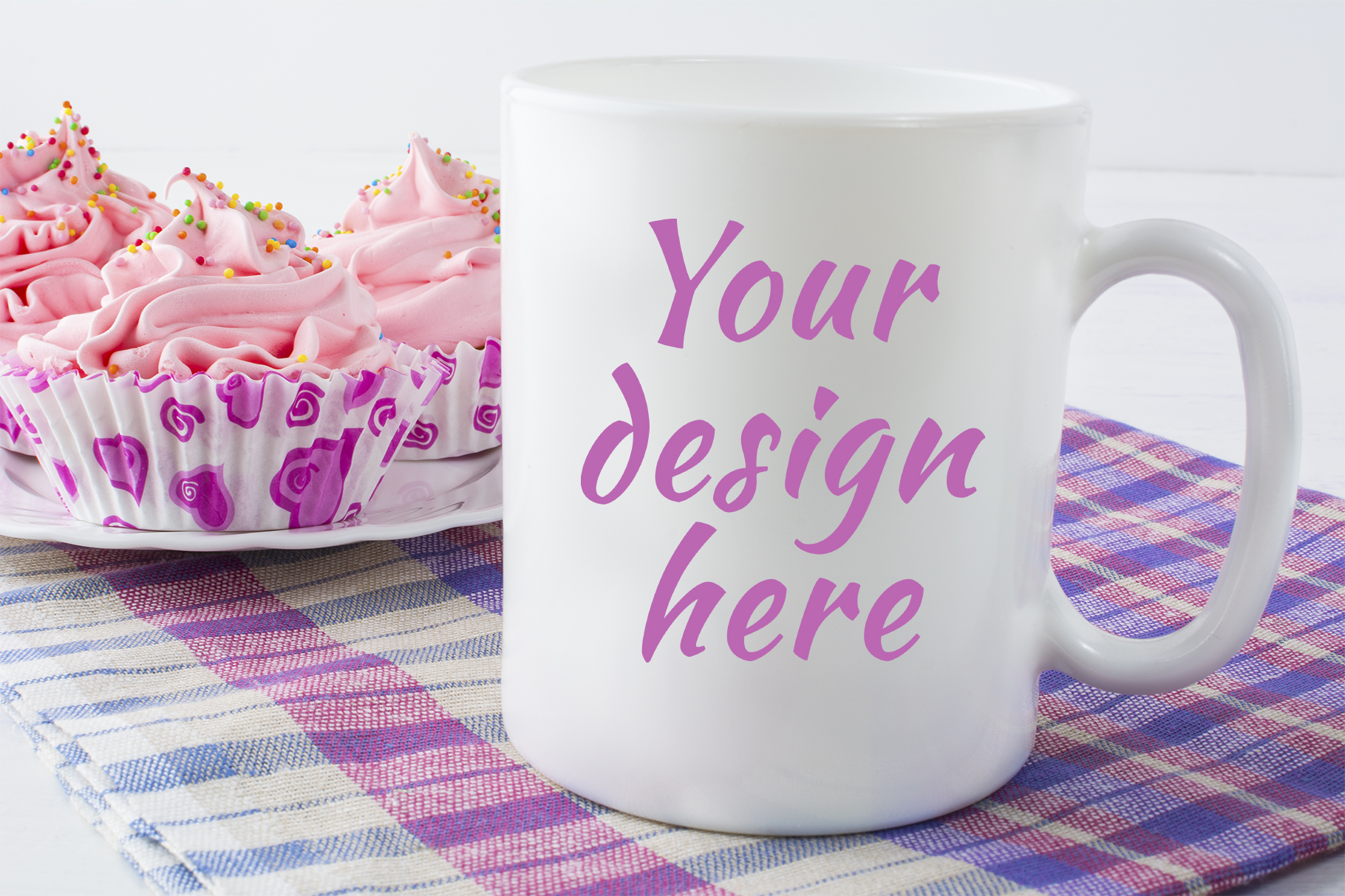 Print on Demand: Coffee Mug Mockup with Checkered Napkin Graphic Product Mockups By TasiPas - Image 1