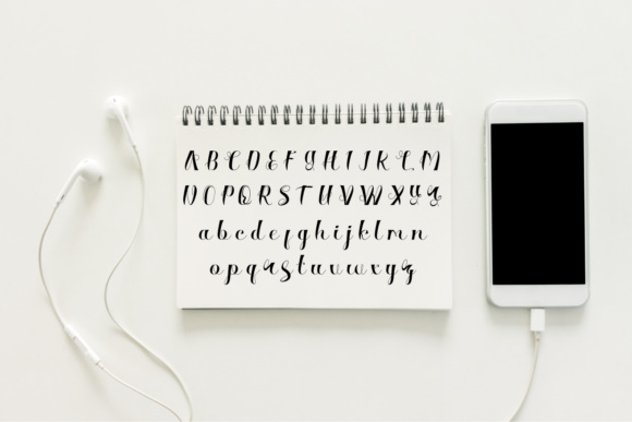 Print on Demand: Silvagia Script & Handwritten Font By siwah.wah52 - Image 5
