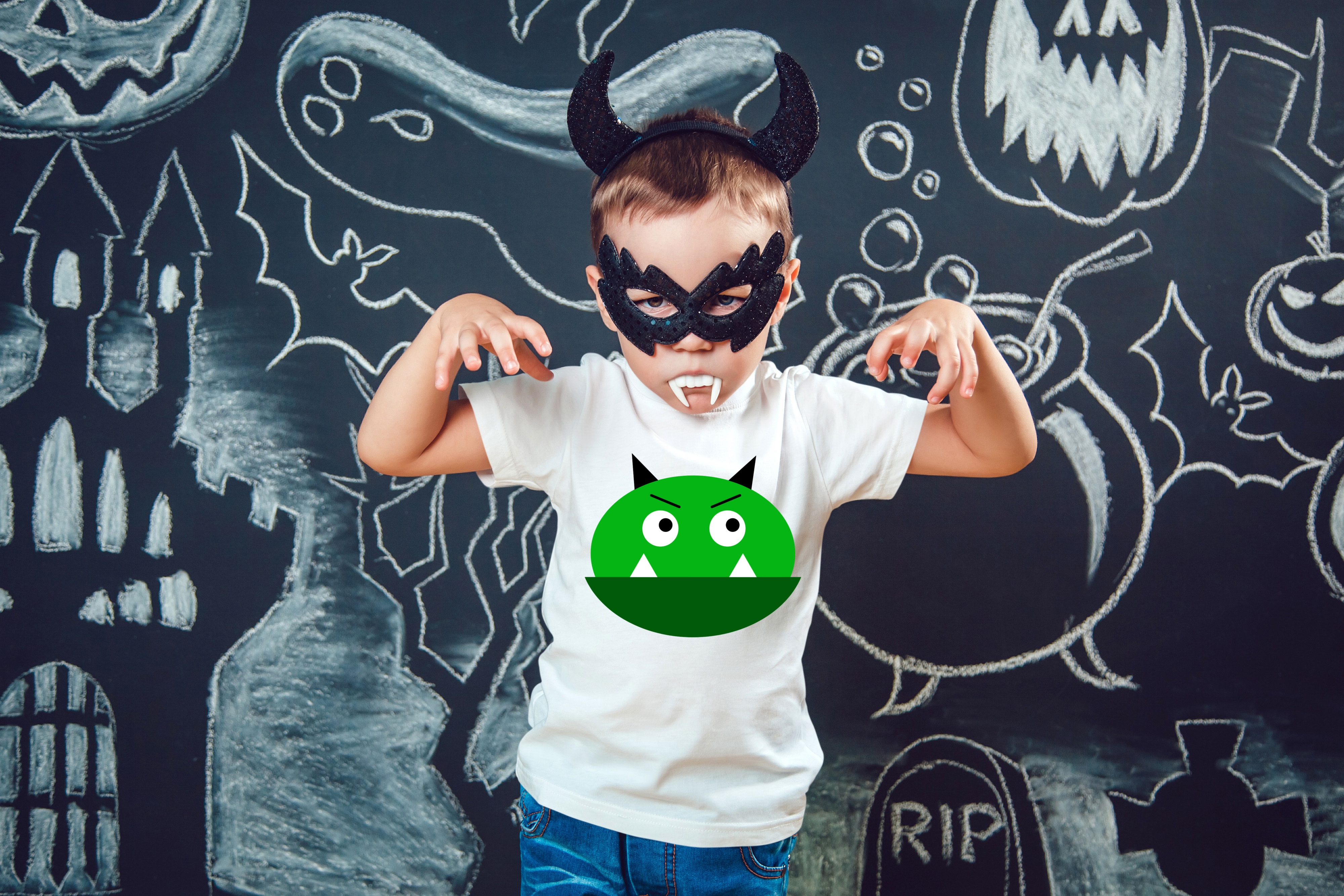 Download Free Green Monster Halloween Svg Grafico Por Missseasonsvinylcuts for Cricut Explore, Silhouette and other cutting machines.
