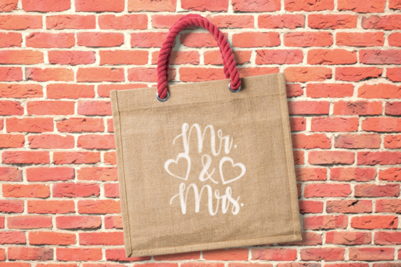 Print on Demand: Mr & Mrs File Graphic Crafts By All Things Designs
