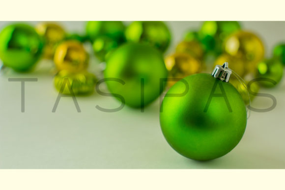 Christmas Green Ornament Graphic By TasiPas