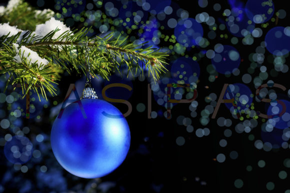 Print on Demand: Forest Christmas Tree Branch with Blue Ornament Gráfico Vacaciones Por TasiPas