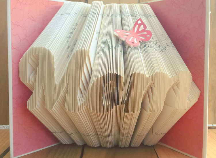 Learn the techniques of book folding main article image