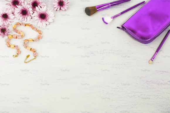 Print on Demand: Cosmetic Accessories Styled Background Graphic Beauty & Fashion By TasiPas - Image 1
