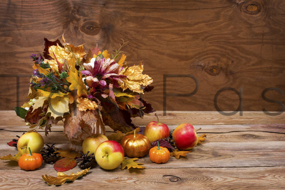 Download Free Fall Centerpiece With Golden Leaves Graphic By Tasipas for Cricut Explore, Silhouette and other cutting machines.