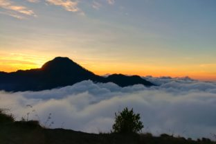 Sea of Cloud on the Top of Mountain. Graphic By thanaporn.pinp