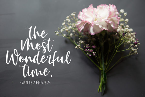 Winter Flowers Font Design