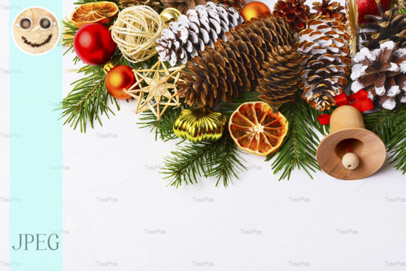 Print on Demand: Christmas Centerpiece with Jute Balls Graphic Holidays By TasiPas - Image 1