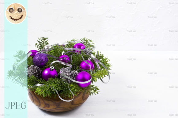 Print on Demand: Christmas Centerpiece with Glitter Graphic Holidays By TasiPas - Image 1