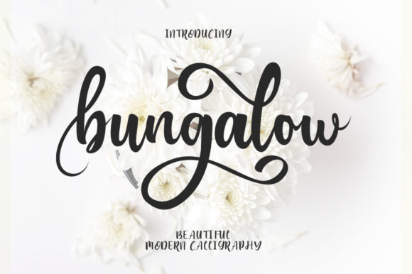 Print on Demand: Bungalow Manuscrita Fuente Por EmbunStudio