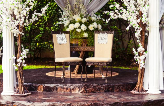 With the right decoration, your garden can turn into the best venue.