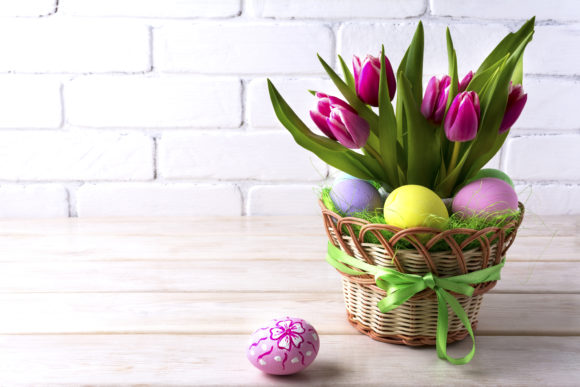 Print on Demand: Easter Table Centerpiece with Pink Tulip Graphic Holidays By TasiPas