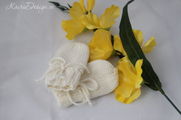 Hand Knitting Pattern Simple Baby Mitten Graphic