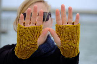 Black Cat Basics: Mitts Graphic Knitting Patterns By BlackCatKnitCo