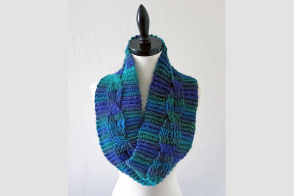 Midnight Cabled Cowl Crochet Pattern Graphic