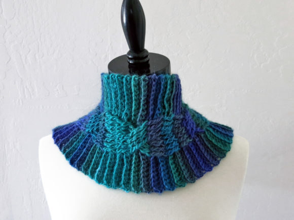 Midnight Cabled Cowl Crochet Pattern Graphic Item