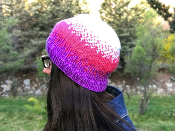 Download Free Pixel Beanie Knit Pattern Grafico Por Knit And Crochet Ever for Cricut Explore, Silhouette and other cutting machines.
