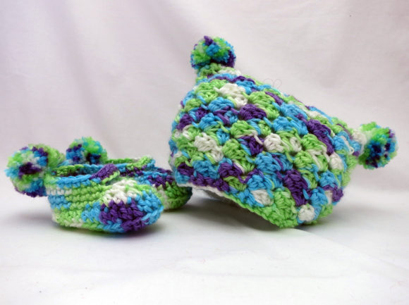 Download Free Pom Pom Baby Gift Set Crochet Pattern Graphic By Knit And for Cricut Explore, Silhouette and other cutting machines.