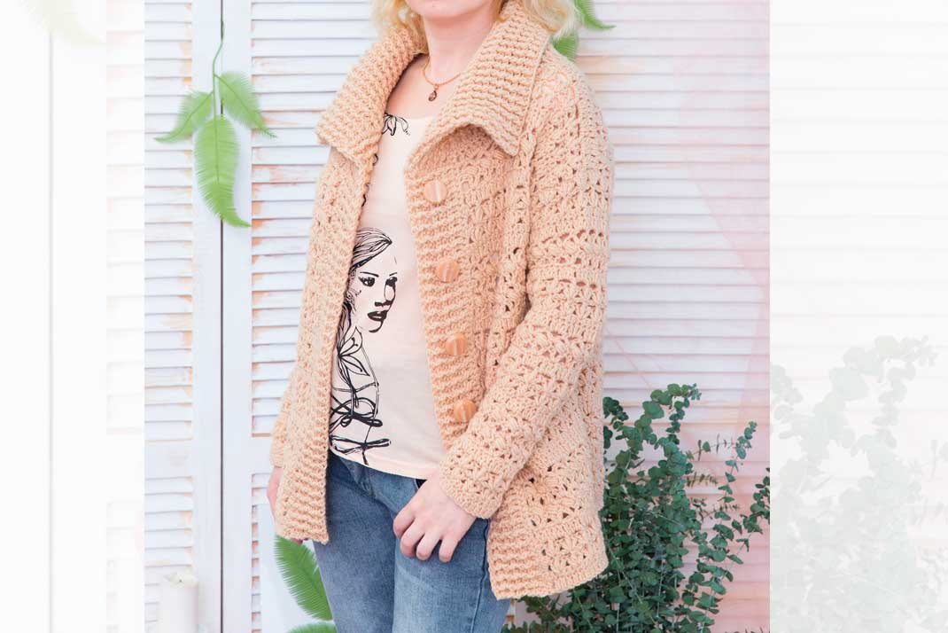 Download Free Warm Cardigan With Front Buttons Grafico Por Julia Crochet for Cricut Explore, Silhouette and other cutting machines.