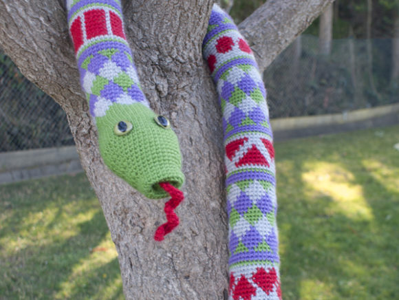 Shape Teaching Fair Isle Snake Pattern Gráfico Patrones de crochet Por Knit and Crochet Ever After