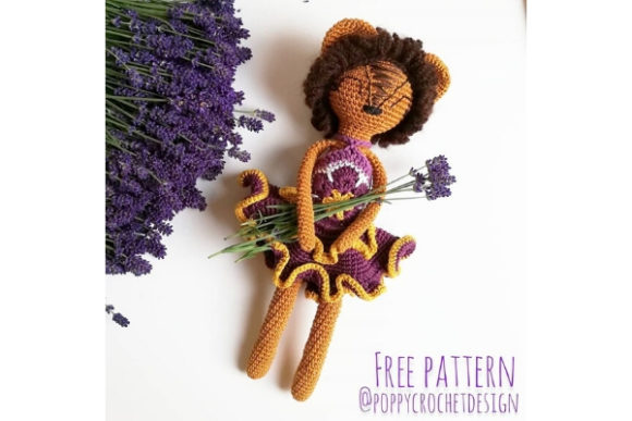 Download Free Lioness In The Colors Of Lavender Crochet Pattern Graphic By for Cricut Explore, Silhouette and other cutting machines.