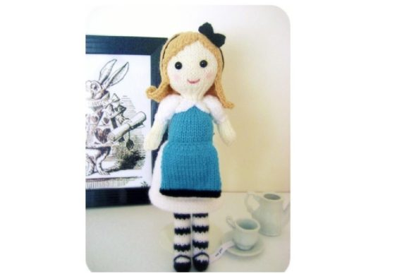 Knit Alice in Wonderland Pattern Grafik Knitting Patterns von Amy Gaines Amigurumi Patterns