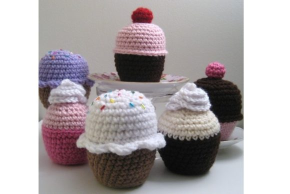 Amigurumi Crochet Cupcake Pattern Graphic Crochet Patterns By Amy Gaines Amigurumi Patterns