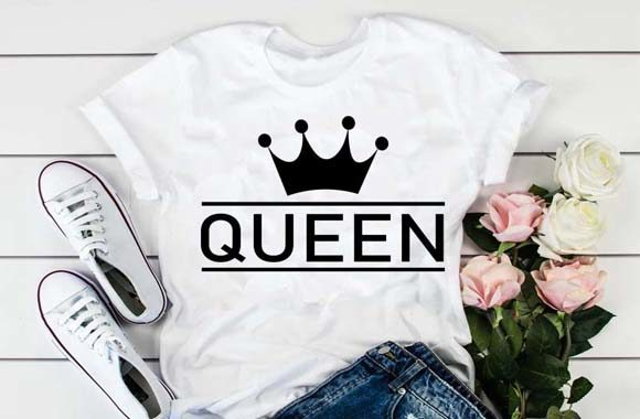 Print on Demand: Queen Text with Crown Svg File. Graphic Illustrations By Lillyrosy