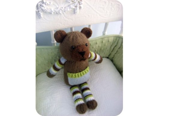 Knit Pocket Bear Pattern Graphic Preview