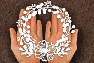 Print on Demand: Flower Wreath Papercut SVG Graphic Print Templates By johanruartist