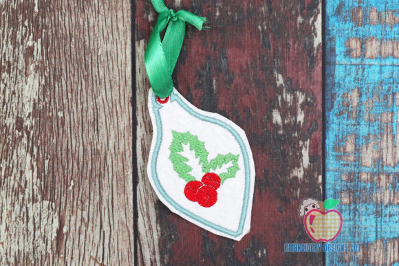 Christmas Holly Leaves and Berry ITH Christmas Embroidery Design By embroiderydesigns101