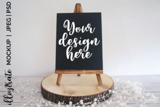 Print on Demand: Chalkboard Easel Mockup |  Stock Gráfico Crafts Por illuztrate