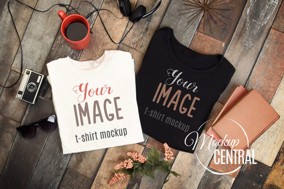 Top View T-Shirt Flat Lay Apparel Mockup Gráfico Mockups de Productos Por Mockup Central
