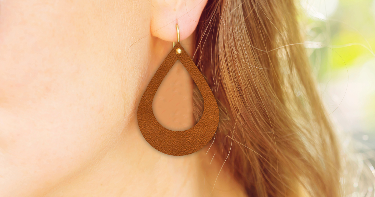 How To Make Trendy Leather Earrings With Your Cricut Explore