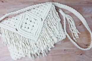 Learn How to Make a Macrame Crossbody Bag Classes By Crystal Martin
