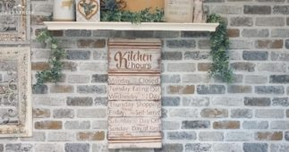 How to Make a Pallet Sign for your Kitchen