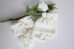 Baby Doll`s Mittens Hat and Booties Graphic Knitting Patterns By Kairi Mölder