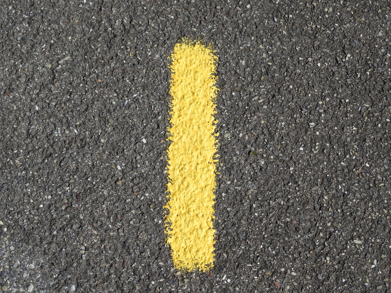 A yellow line that is emphasized by its distinctive colour