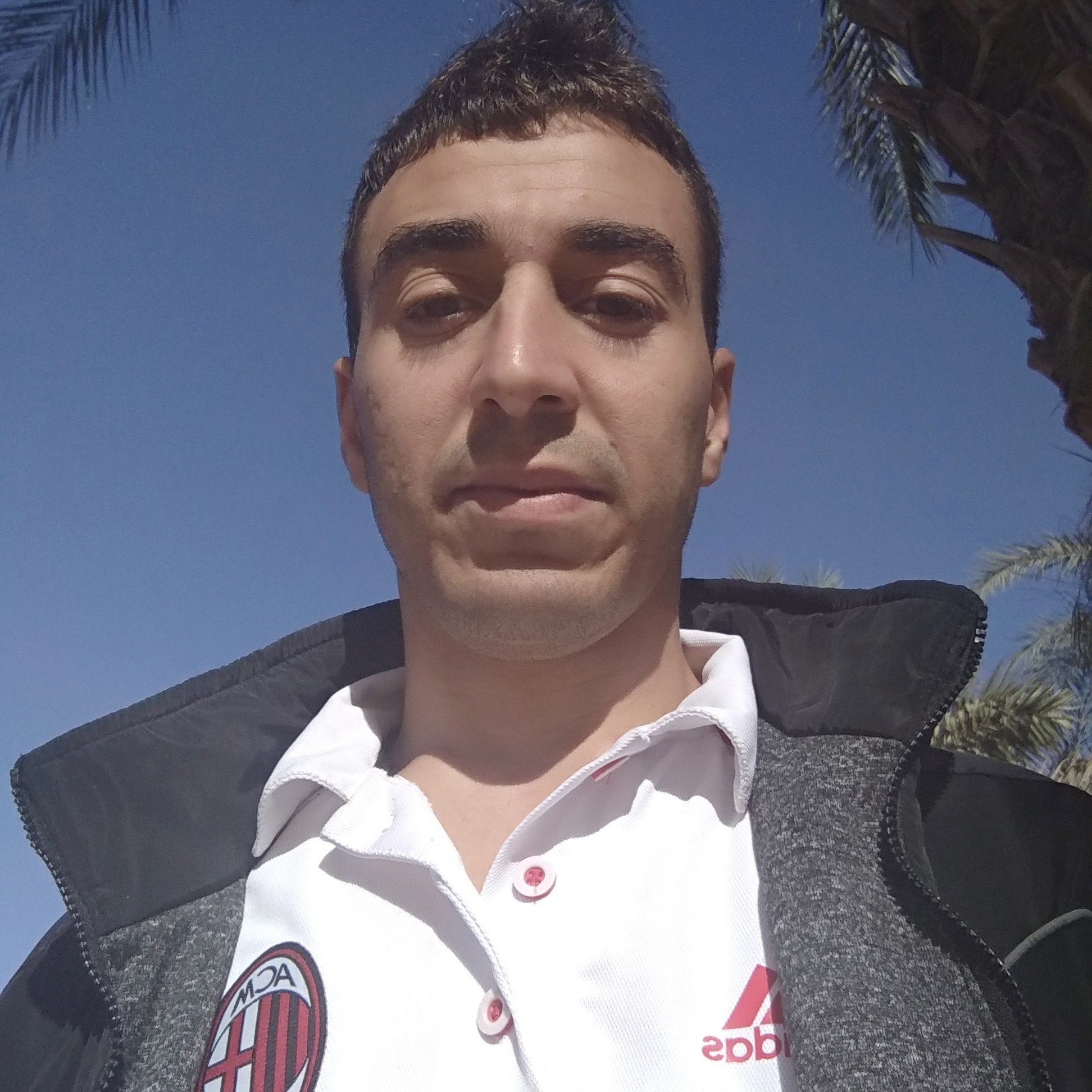 REDOUANE HELLAL's profile picture